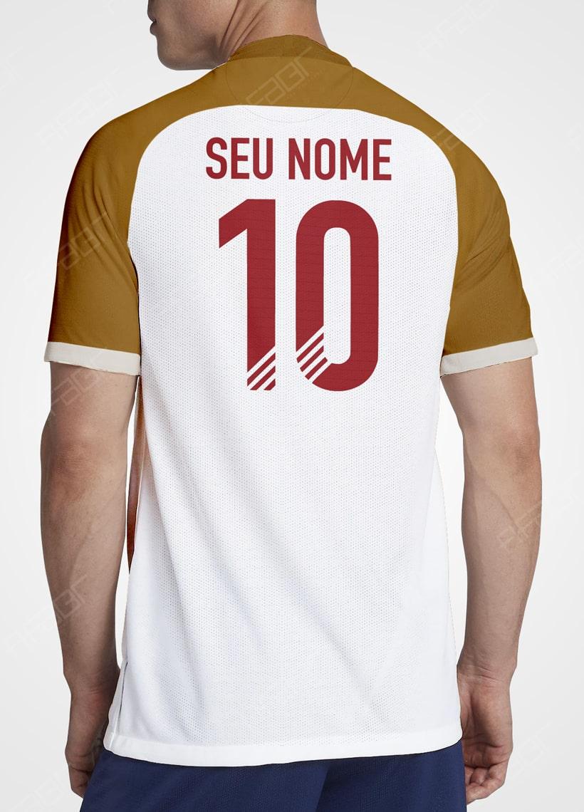 Camisa Ultimate Team Legends Edition Branca e Bege com Detalhe em Bordo